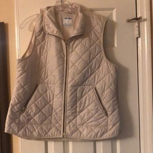 Old Navy Jackets & Coats - Old navy cream puffy vest